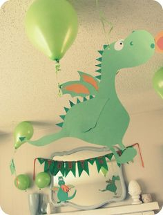 Dragons and princesses birthday party - exactly the theme DD2 has asked for for her 4th!                                                                                                                                                                                 Mehr
