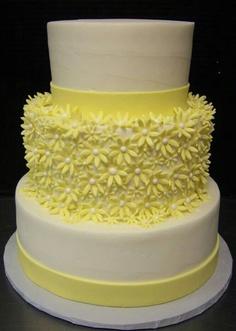 Floral Wedding Cake. Yellow Wedding Cake. Summer Wedding. Tiered Wedding Cake. Wedding trends. Wedding Planning. Wedding Cake.