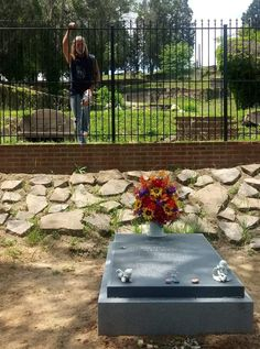 Gregg Allman S Grave In Plot Beside Allman Brothers