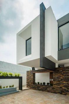 Casa Ax4: Casas de estilo minimalista por ROKA Arquitectos #cocinasrusticasminimalista