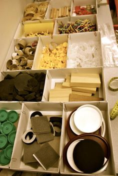 Loose parts - art materials - play materials at Sandringham PS ≈≈ http://www.pinterest.com/kinderooacademy/provocations-inspiring-classrooms/