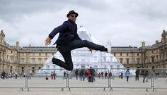 JR se paye la Pyramide du Louvre - Sortir - Télérama.fr
