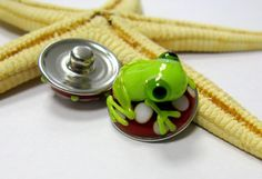 SMAUGGS handmade lampwork bead popper snap glass red by Smauggs