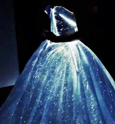 simon-lewis:  Zac Posen's gown for Claire Danes for the Met Gala