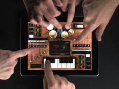 ROCKMATE by Fingerlab (4.5 MOVES / 5 LOOKS / 5 SMARTS) *Noteworthy: Compose, record and play songs with up to 4 players on a single iPad