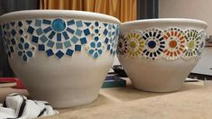 Mosaic Pots, Mosaic Diy, Mosaic Crafts, Clay Crafts, Mosaic Glass, Stained Glass, Vase, Stone Mosaic, Mosaics