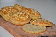 Keto Burger, Keto Diet Plan, Lchf, Gluten Free Recipes, Food And Drink, Bread, Snacks, Desserts, Keto Bagels