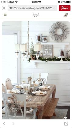 After Christmas, you can still decorate your house to be gorgeous. You can decorate with winter decoration after Christmas decorating. Decoration Christmas, Decoration Table, Winter Decorations, Christmas Dinning Table Decor, Winter Wonderland Decorations, Christmas Party Themes, Centerpiece Ideas, Seasonal Decor, Dinning Tables And Chairs