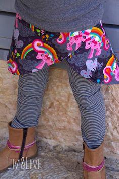 Tennisrock #1 - Mamasliebchen Sweat 'Kitsch me if you can' - Stoff&Liebe (Rapelli Design)                                                                                                                                                     Mehr