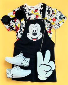 Disney theme park outfits that are fun and colorful! Disney World Outfits, Cute Disney Outfits, Disney Themed Outfits, Cute Casual Outfits, Disney Clothes, Teen Fashion Outfits, Outfits For Teens, Girl Outfits, Skater Outfits
