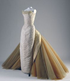Charles James (1906-1978) butterfly ball gown 5 (1954). Met Gala's couture tribute 2014.