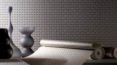 Ulf Moritz and marburg have been working together successfully since the year 2000. With his sixth collection Moritz is presenting an excitingly diverse range of creative wall coverings that are clear and architecturally streamlined.