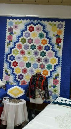 Hexagon Quilt, Quilts, Blanket, Bed, Home, Stream Bed, Quilt Sets, Ad Home, Blankets