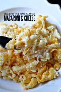 4 Ingredient Slow Cooker Macaroni and Cheese- is so easy to make and tastes great. | Thirty Handmade Days