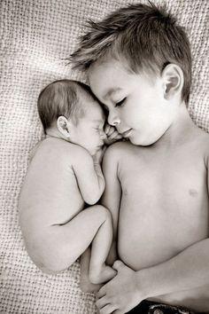 Fotos lindas que mostram o amor entre irmãos_7