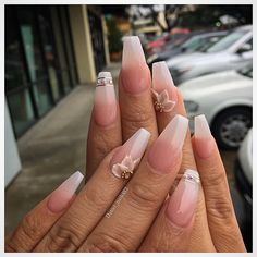 French tips with flower design Nail Piercing, Acrylic Flowers, Pretty Nail Art, Beautiful Nail Designs, Flower Nails, Acrylic Nails, Acrylics, Flower Designs, Hair Beauty
