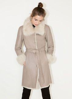 Manteau en cuir retourné - Noveau en magasin - Uterqüe France