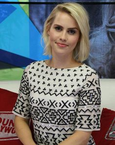 Claire Holt guesting at Young Hollywood Studio at May 2015 Claire Holt The Originals, Female Stars, Delena, American Actress, Angeles, Beautiful Women, Hollywood, Actresses, Celebrities