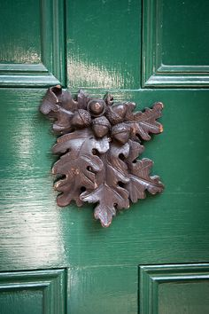 acorn and oak leaves door knocker