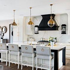46 Traditional Kitchen Ideas - 2020 Home design Home Interior, Interior Design Kitchen, Modern Interior Design, Interior Design Traditional, Traditional Kitchens, Modern Traditional, Kitchen Designs, Gold Kitchen, Kitchen Decor