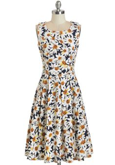 Soiree of Sunshine Dress. Light up the evenings festivities in this daisy-printed dress!  #modcloth