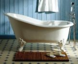 I love claw foot bathtubs...it is my dream to have one one day...and a fireplace, id like one of those too