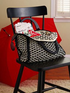 INTERLOCKING CROCHET TOTE ...{Interlocking Crochet creates a truly reversible fabric.} The pattern is in the book.