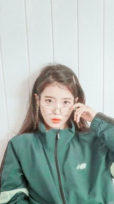 Look at her❤️❤️❤️❤️❤️❤️ Iu Fashion, Korean Fashion, Kpop Girl Groups, Kpop Girls, Korean Beauty, Asian Beauty, Iu Hair, Tumbrl Girls, Kim Chungha