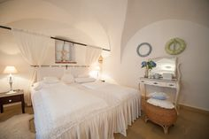 Suite Schafgrube // TiMiMoo Boutique Hotel Bed And Breakfast, Event Design, Boutique, Furniture, Home Decor, Breakfast In Bed, Homemade Home Decor, Home Furnishings, Decoration Home