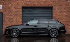 Audi RS6 in gloss black