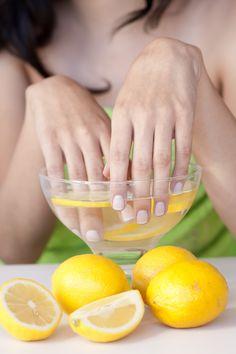 Unghie più belle: rimedi della nonna con limone - Donna Moderna