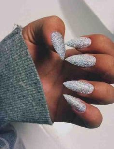 I absolute love the long glitter nails perfect for on holiday