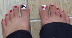 Disney Pedicure Toenails Mickey Mouse Toe Nails Ideas For 2019 Minnie Mouse Nails, Mickey Nails, Mickey Mouse, Disney Toe Nails, Disney Toes, Disneyland Nails, Disney Nail Designs, Toe Nail Designs, Fingernail Designs