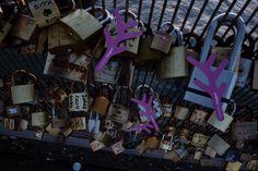 Flocoon serait passé sur le #Pontdesarts #bridge #Paris #France #fens2014