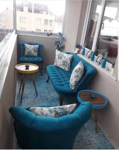 Apartment Patio Makeover Small Balconies 17 Ideas For 2019 Balcony Furniture, Furniture Layout, Garden Furniture, Furniture Design, Living Room Designs, Living Room Decor, Porch And Balcony, Appartement Design, Patio Makeover