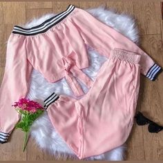 Girls Fashion Clothes, Teen Fashion Outfits, Girl Fashion, Girl Outfits, Fashion Dresses, Style Fashion, Mega Fashion, Cute Casual Outfits, Stylish Outfits