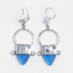 Cercei tuaregi In-Gall, argint, sticlă albastră, Niger Silver Jewelry, Drop Earrings, Personalized Items, Jewellery, Jewels, Silver Jewellery, Schmuck, Drop Earring, Jewelry Shop
