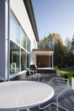 Terassi talon sivussa, lisää ideoita www.lammi-kivitalot.fi
