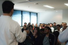 Diretor de Marketing da Epyx Soluções Editoriais, Luiz Silveira mostra como é fácil criar uma publicação interativa com o Twixl Publisher. Foto: Patricia Bruni.