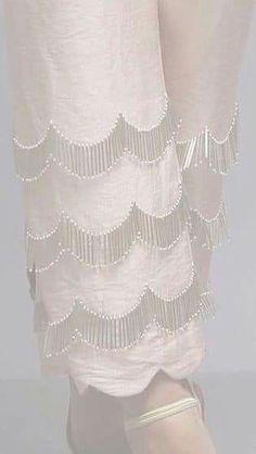 Salwar Designs, Blouse Designs, Salwar Pants, Salwar Pattern, Sleeves Designs For Dresses, Embroidery Suits, Pants For Women, Clothes For Women, Pants Pattern