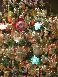 Magnificent Types Of Christmas Trees, German Christmas Ornaments, Christmas Love, Glass Christmas Ornaments, All Things Christmas, Christmas Wreaths, Polish Christmas, Merry Christmas, Antique Christmas Decorations