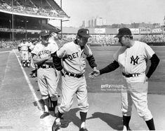 Detroit Tigers' boss Billy Martin refuses to shake hands with New York Yankees' manager Ralph Houk before game at Yankee Stadium. Get premium, high resolution news photos at Getty Images Detriot Tigers, Detroit Tigers Baseball, Pittsburgh Steelers, Dallas Cowboys, Baseball Photography, White Photography, Billy Martin, White Sox Baseball, New York Pictures