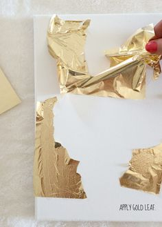 How To Make DIY Gold Leaf Abstract Art (LiveLoveDIY) Hey ya'll! I'm taking a break from renovation updates for a week or two. I can barely stand the wait, but I think it's best to let everything get finished and then share e Gold Diy, Gold Gold, Art Diy, Diy Wall Art, Art Feuille D'or, Cuadros Diy, Gold Leaf Art, Painting With Gold Leaf, Painted Leaves