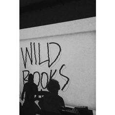 """WILD BOOKS – """"GRUNT TO ROBIĆ WIĘCEJ, A MÓWIĆ MNIEJ"""" EXAMPLE.PL"""