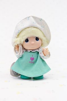 A charming little Hi Babies girl doll from the Enesco Precious Moments Collection, 1988. We also have a boy doll from the same series: https://www.etsy.com/ca/listing/544670128/1989-precious-moments-hi-babies-doll-by?ga_search_query=enesco&ref=shop_items_search_6  Vital Stats