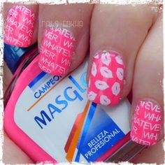 NAIL ART BESOS http://nailenkha.blogspot.com.es/2016/12/nail-art-besos.html #bornprettystore #masglo #essie #stamping #nails #notd #manicure #nailart #polish #nailspolish #nailideas #manicura #esmalte #uñas #unhas