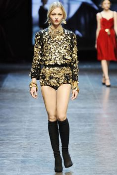 Dolce & Gabbana Fall 2010 Ready-to-Wear Fashion Show: Complete Collection - Style.com