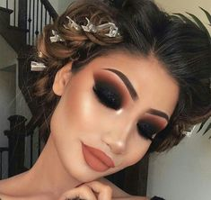 Gorgeous Makeup: Tips and Tricks With Eye Makeup and Eyeshadow – Makeup Design Ideas Glam Makeup, Dramatic Makeup, Makeup Inspo, Eyeshadow Makeup, Makeup Inspiration, Hair Makeup, Makeup Ideas, Makeup Tutorials, Eyeshadow Palette