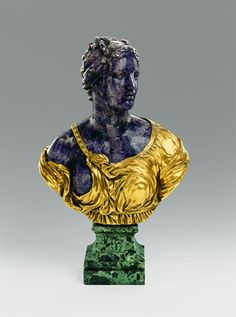 Bust of a Woman Dresden, 1725–30 Attributed to Paul Heermann (1673–1732) and Johann Christoph Hübner (1665–1739) Amethyst, tufa, and serpentine breccia marble; gilded-bronze base; H. 21 7/8 in. (55.5 cm)  Photo: © Grünes Gewölbe, Staatliche Kunstsammlungen Dresden