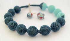Crochet necklace - Blue pearls - Pratina PratinArt